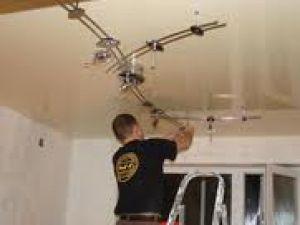 Можно ли самому осуществить монтаж натяжных потолков